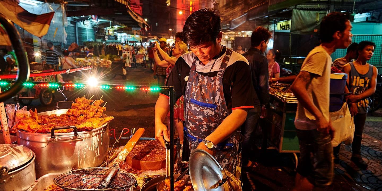 Street food dans le quartier de Chinatown à Bangkok - Thailande