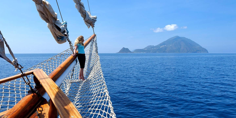 Croisière en goélette jusqu'à l'Île de Filicu - Îles Éoliennes - Sicile - Italie