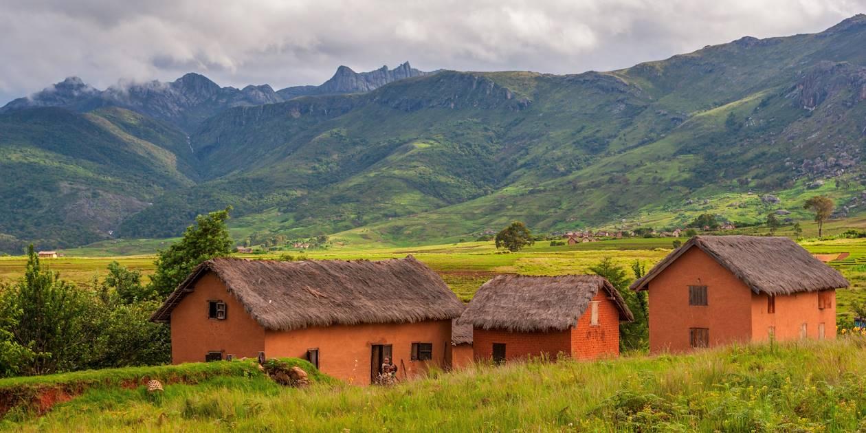 Village typique près du Parc National Andringitra - Madagascar