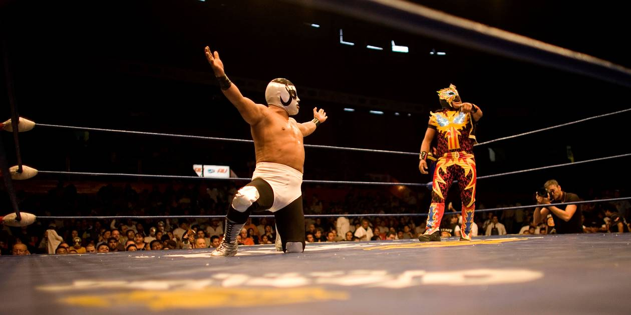 Performance de Lucha Libre, catch mexicain, à l'Arena Mexico - Mexico - Mexique