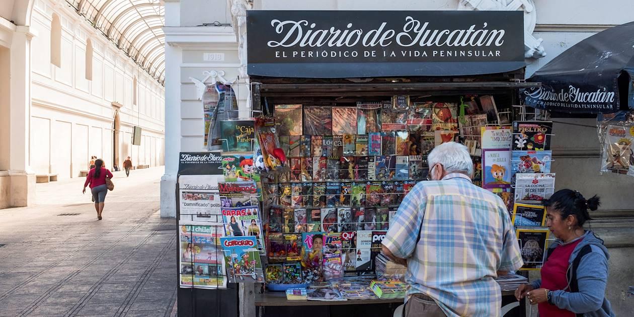 Vendeur de journaux au détour d'une rue - Merida - Yucatan - Mexique