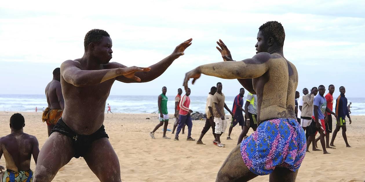 Lutteurs sur la plage de Dakar - Région de Dakar - Sénégal