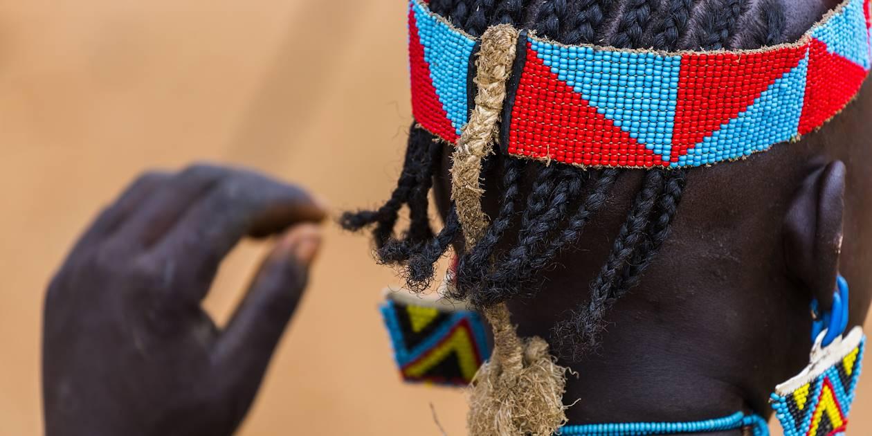 Bijoux de tête de l'ethnie Banna - Ethiopie