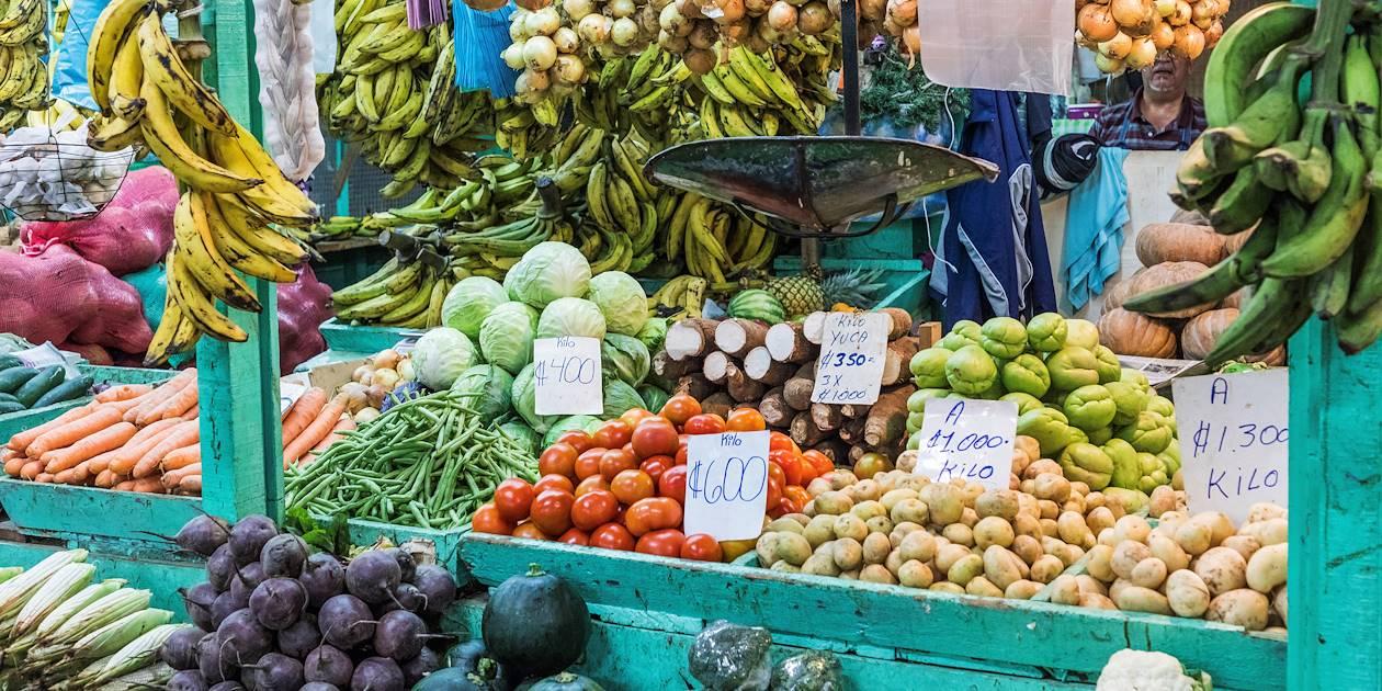 Marchand de fruits et légumes exotiques - San José - Costa Rica