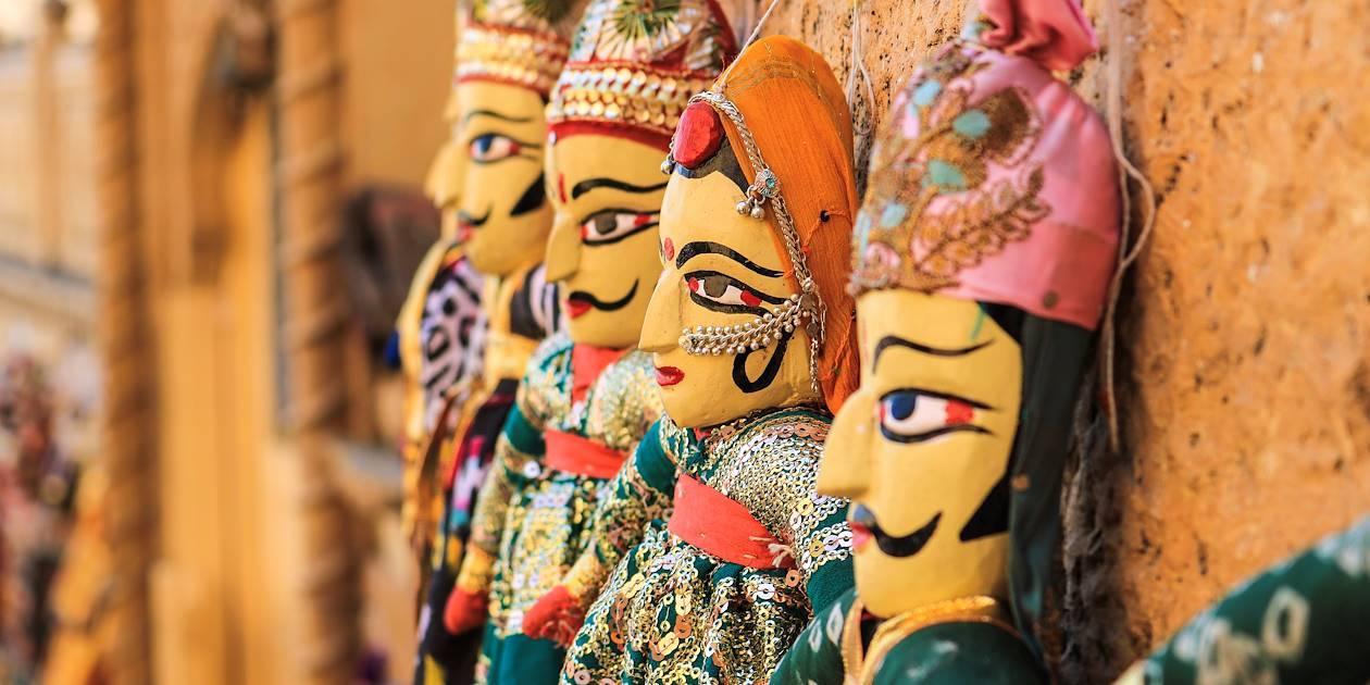 Marionnettes traditionnelles utilisées pour le Kathputli, forme théâtrale issue du Rajasthan - Inde