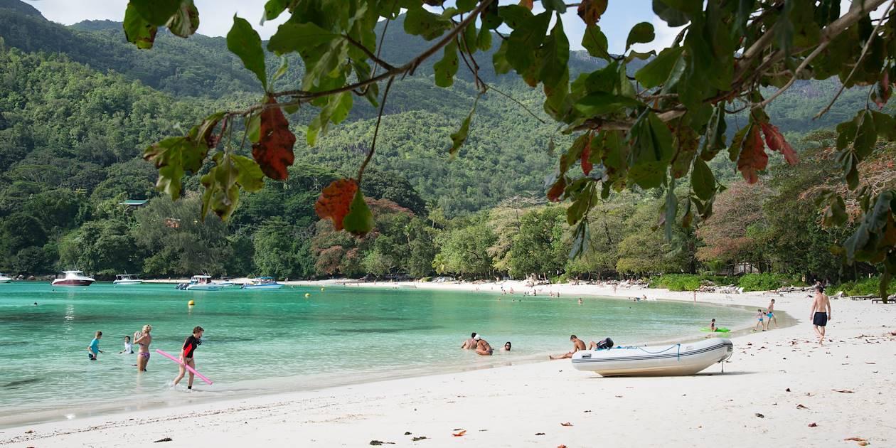 Plage de Port Launay - Seychelles