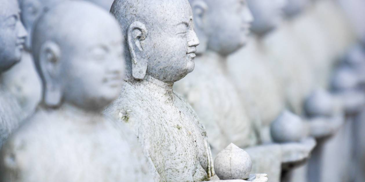 Petites statues Jizo à Hase-dera - Kamakura - Préfecture de Kanagawa - Péninsule de Miura -Japon