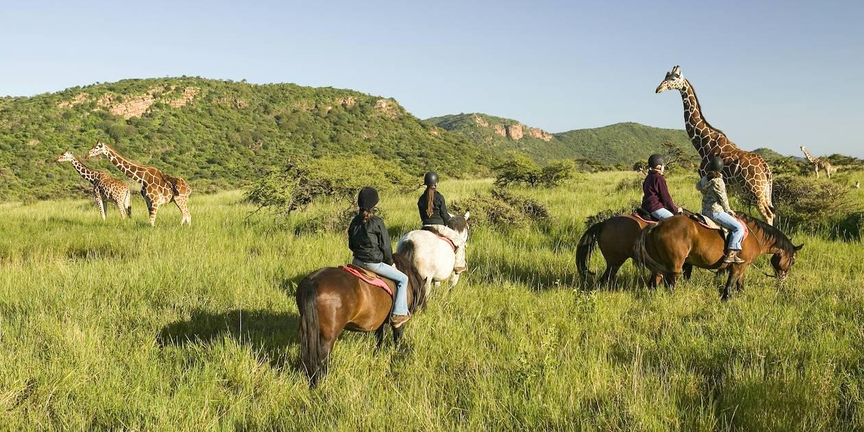 A cheval au bord du lac Naïvasha - Kenya