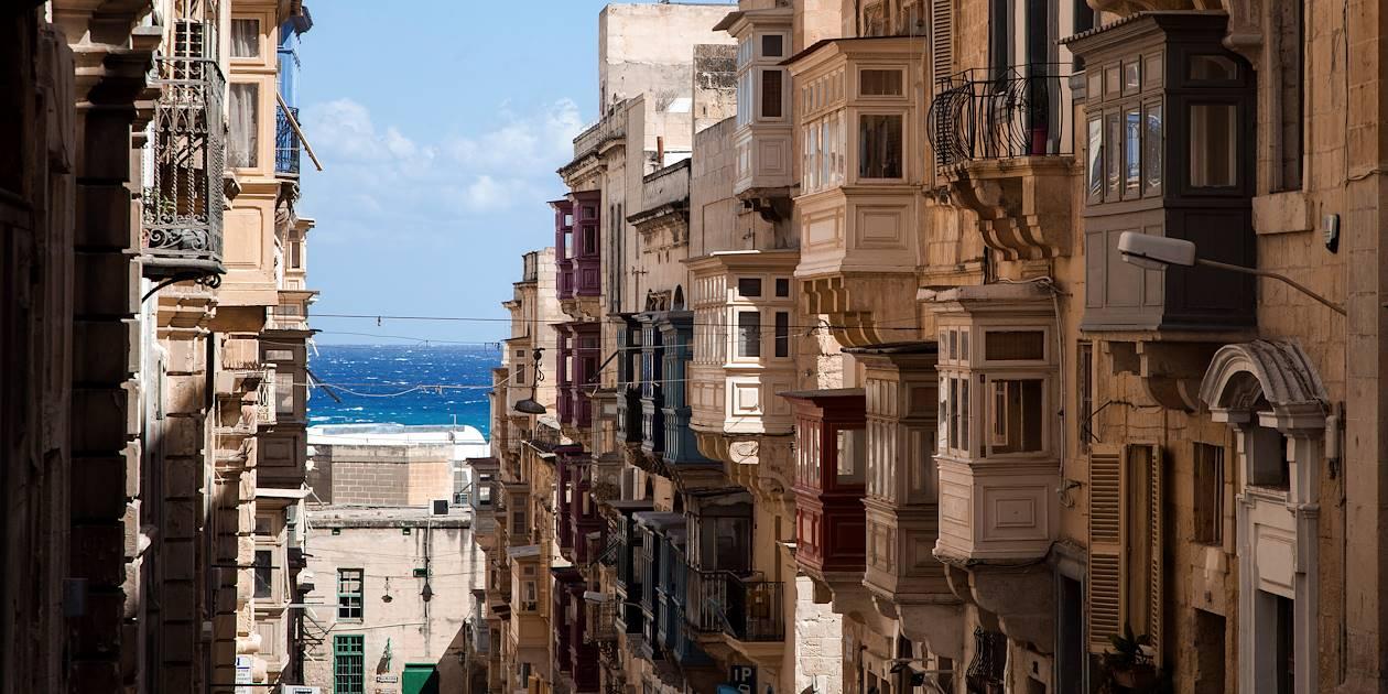 Les balcons traditionnels de l'architecture maltaise - La Valette - Malte