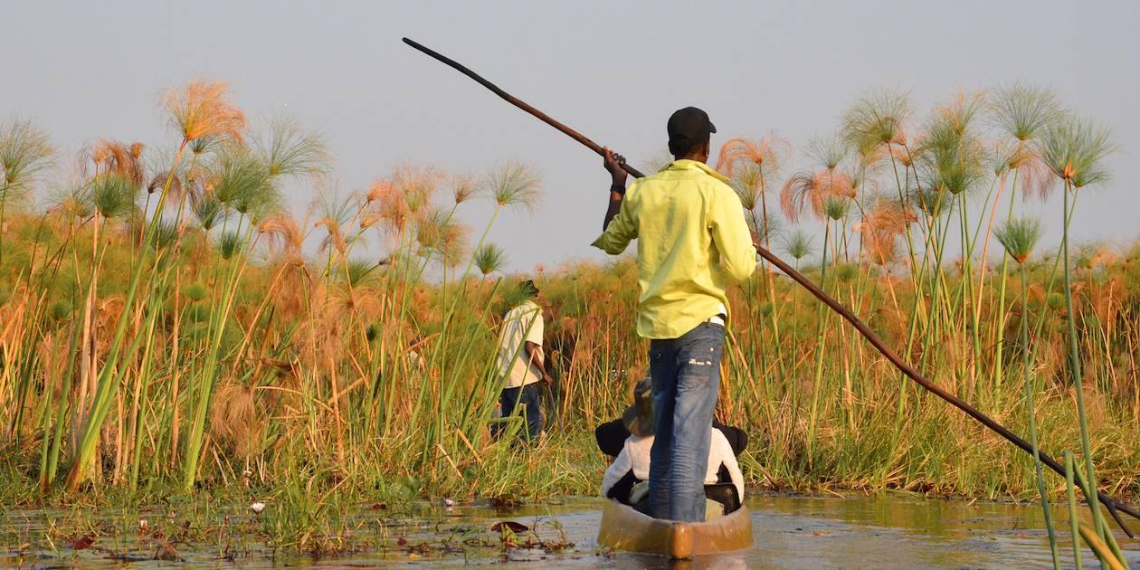 En mokoro sur l'Okavango - Namibie