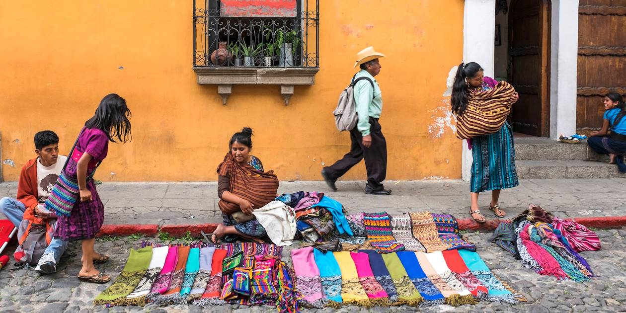 Marché à Antigua - département de Sacatepequez - Guatemala