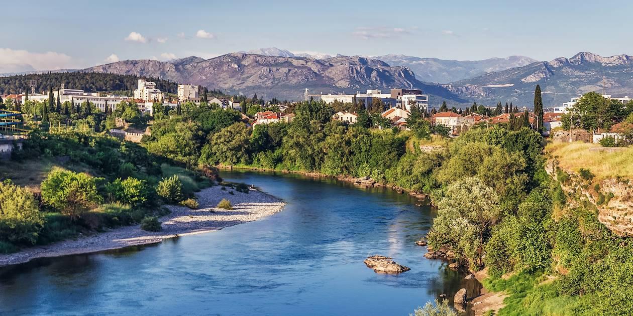 Podgorica, traversée par la rivière Moraca - Monténégro