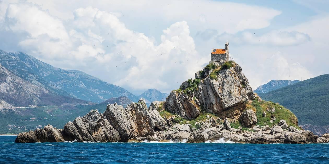 Petite église sur l'île de Sveta Nedjelja - Petrovac - Monténégro
