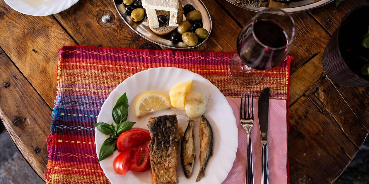 Déjeuner de la pêche du matin - Virpazar - Monténégro