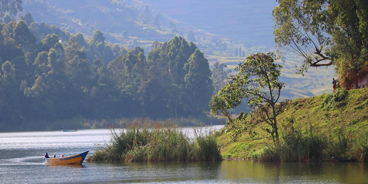 Balade en canoë sur le lac Bunyonyi - Lac Bunyonyi - Ouganda