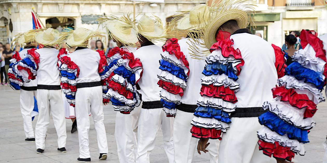 Danseurs cubains avec le costume traditionnel - Cuba