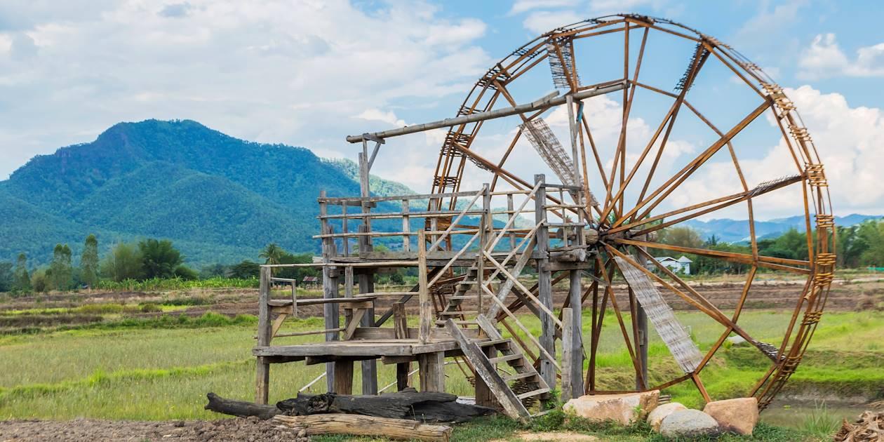 Les moulins à eau le long de la rivière Cham - Réserve Pu Luong - Vietnam