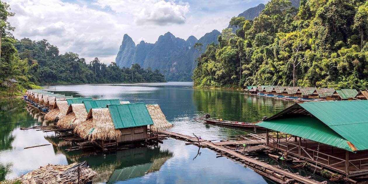Village flottant sur le lac Cheow Lan - Khao Sok - Thaïlande