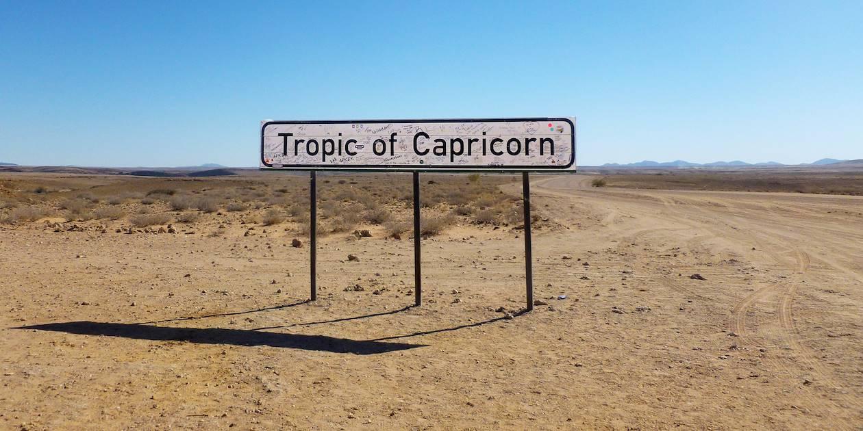 Panneau Tropique du Capricorne - Solitaire - Région de Khomas - Namibie