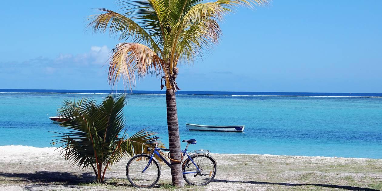 Vélo face à l'océan Indien - Maurice - Île Maurice