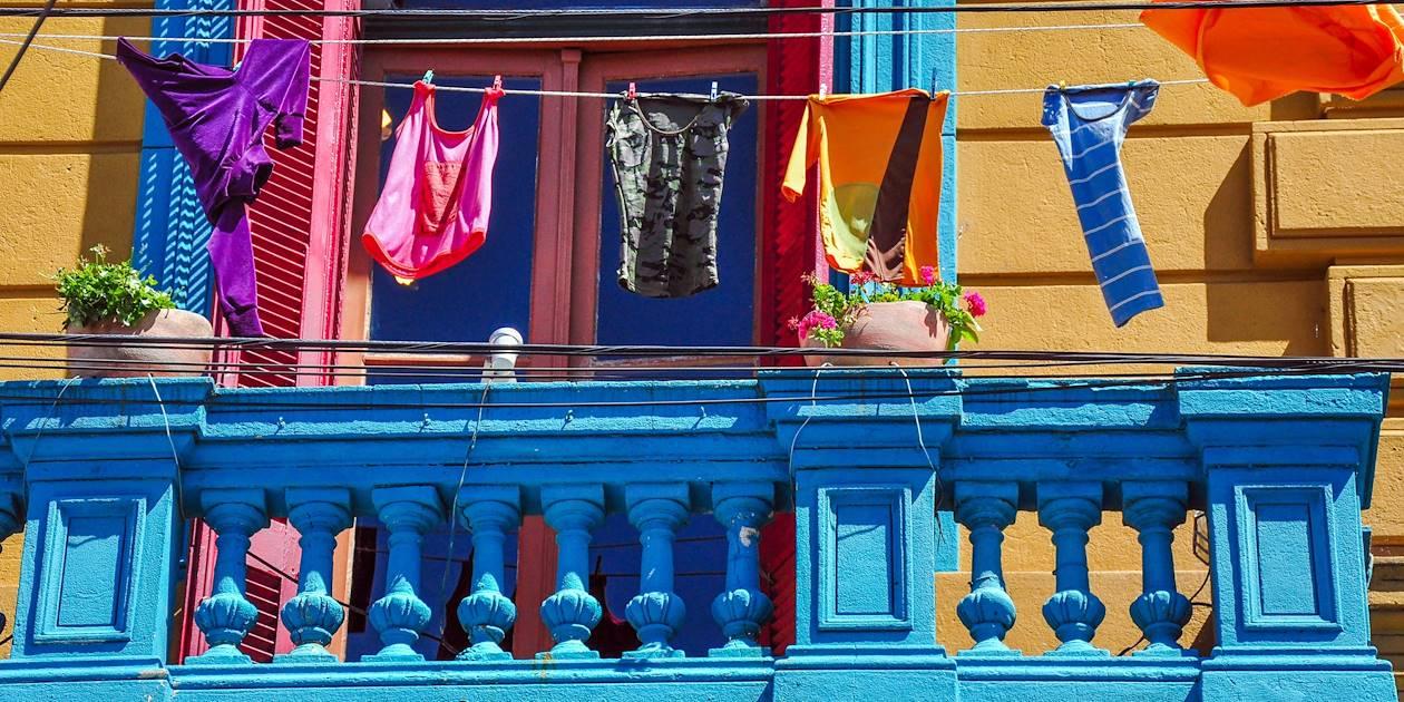 Linge au balcon, quartier de La Boca -Buenos Aires - Argentine