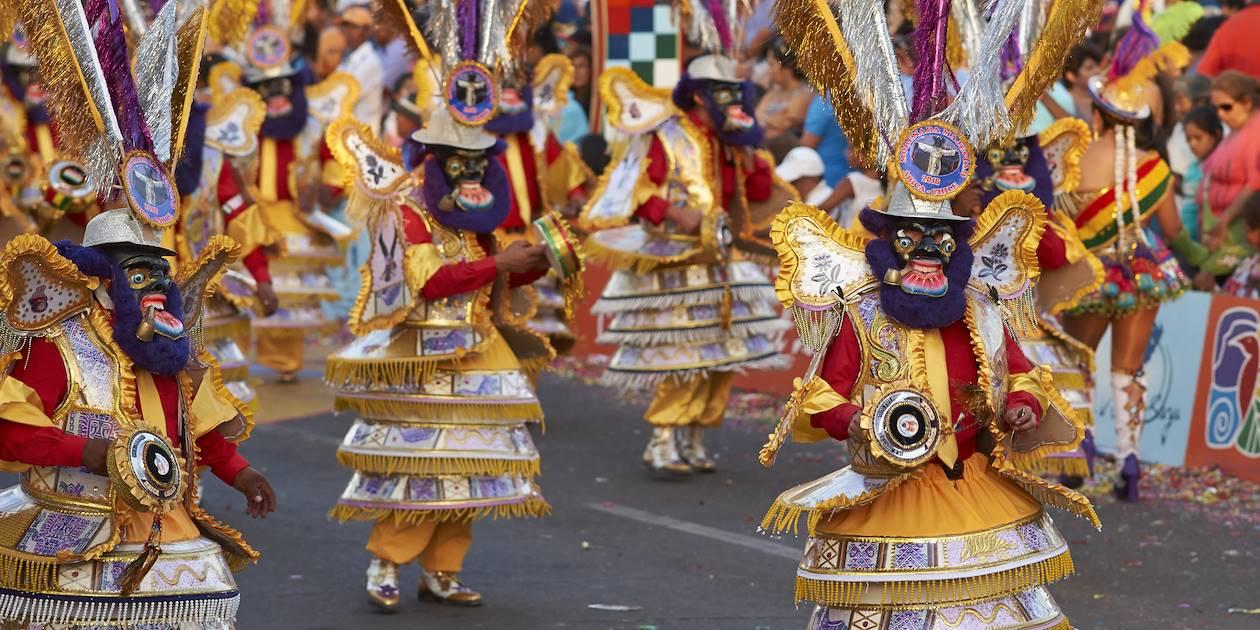 Groupe de danse Morenada lors du Canaval Andino - Arica - Chili