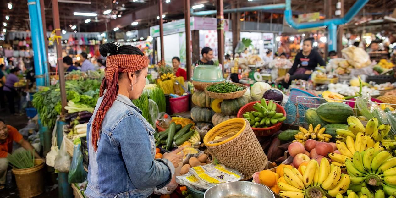Sous les halles du vieux marché - Siem Reap - Cambodge