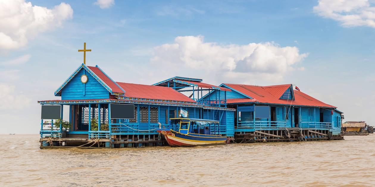 Église flottante sur le lac Tonlé Sap - Cambodge