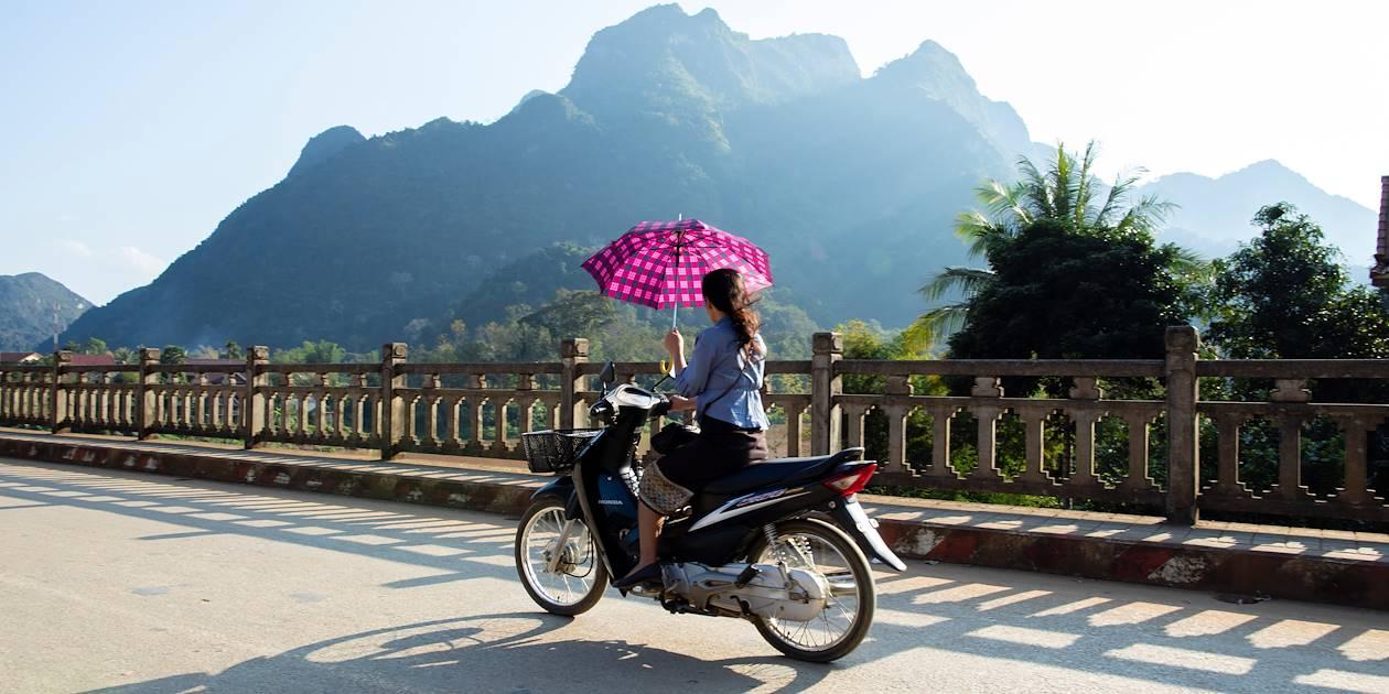 Pont traversant la rivière Nam pour se rendre à Nong Khiaw - Laos