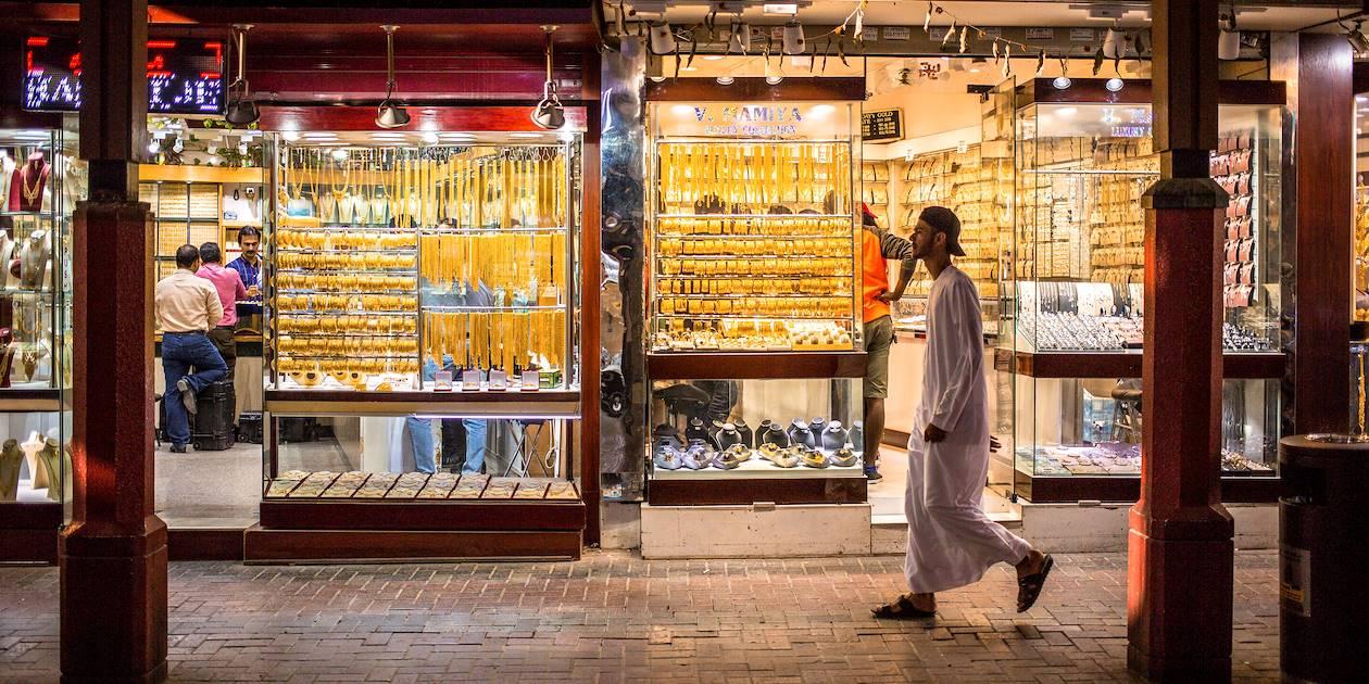 Souk d'or : devantures de bijouteries à la tombée de la nuit - Dubaï - Emirats Arabes Unis