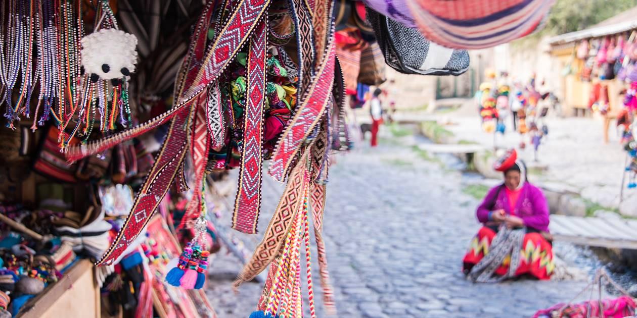 Au marché d'Ollantaytambo - Vallée sacrée des Incas - Province de Cuzco - Pérou