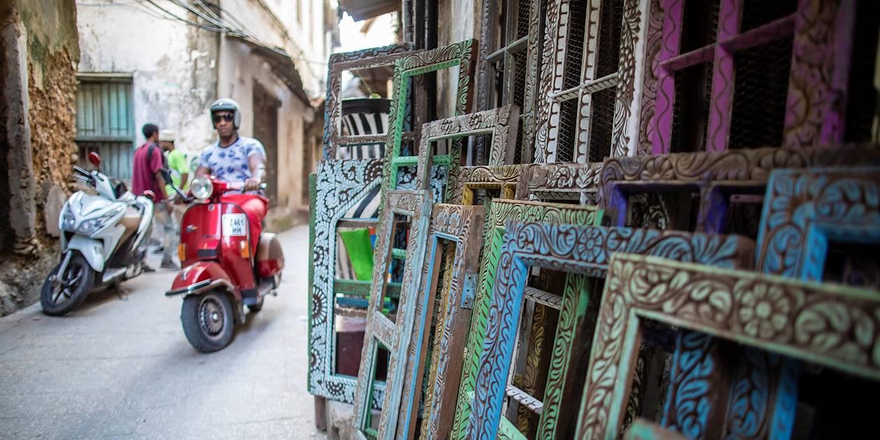 Dans les rues de Stone Town à Zanzibar – Tanzanie