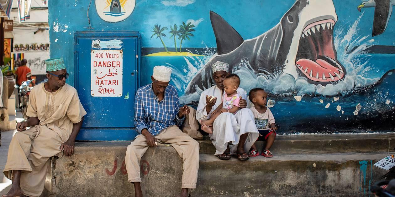 Street art dans une rue de la ville - Stone Town - Zanzibar Vieille Ville - Tanzanie