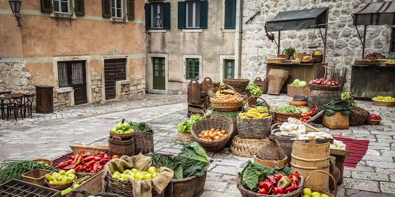Marché de fruits et légumes à Kotor - Monténégro