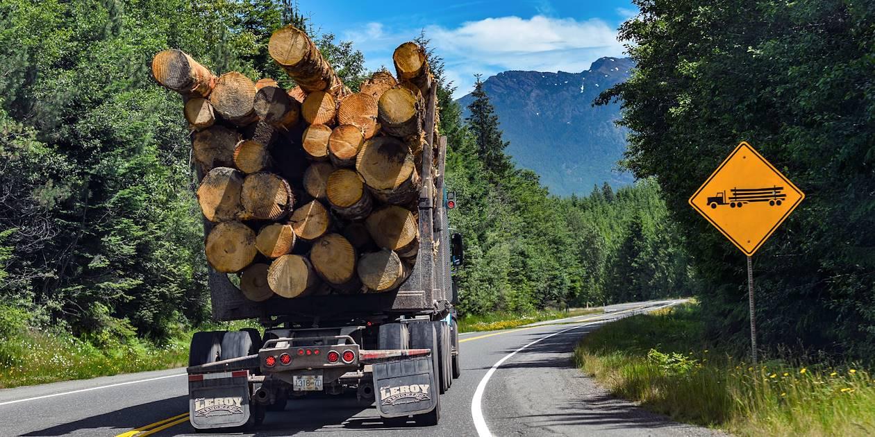 Transport de bois - Île de Vancouver - Canada