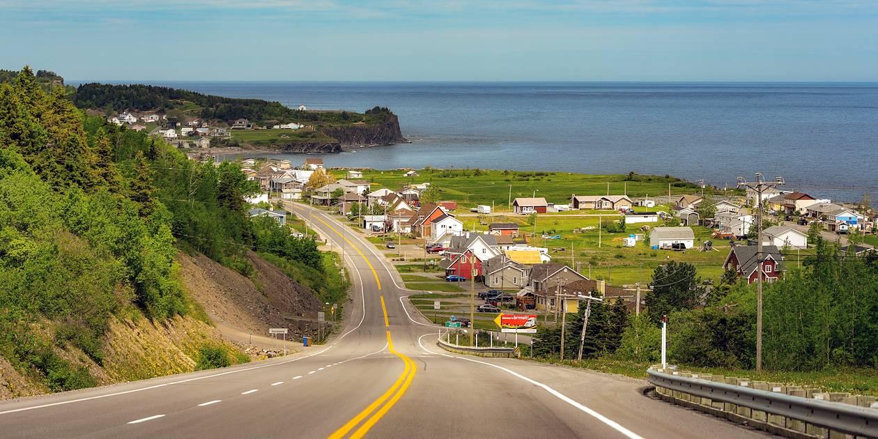 Village sur les côtes du Fleuve Saint-Laurent - Québec - Canada