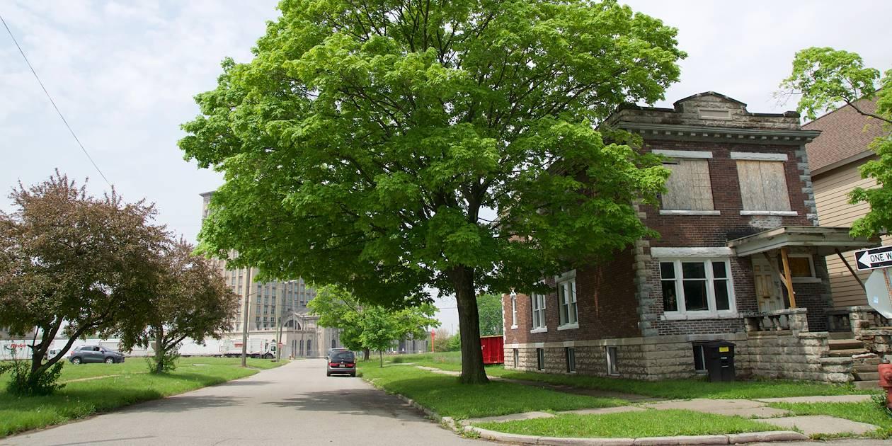 Quartier déserté proche du centre ville - Detroit - Michigan - Etats-Unis