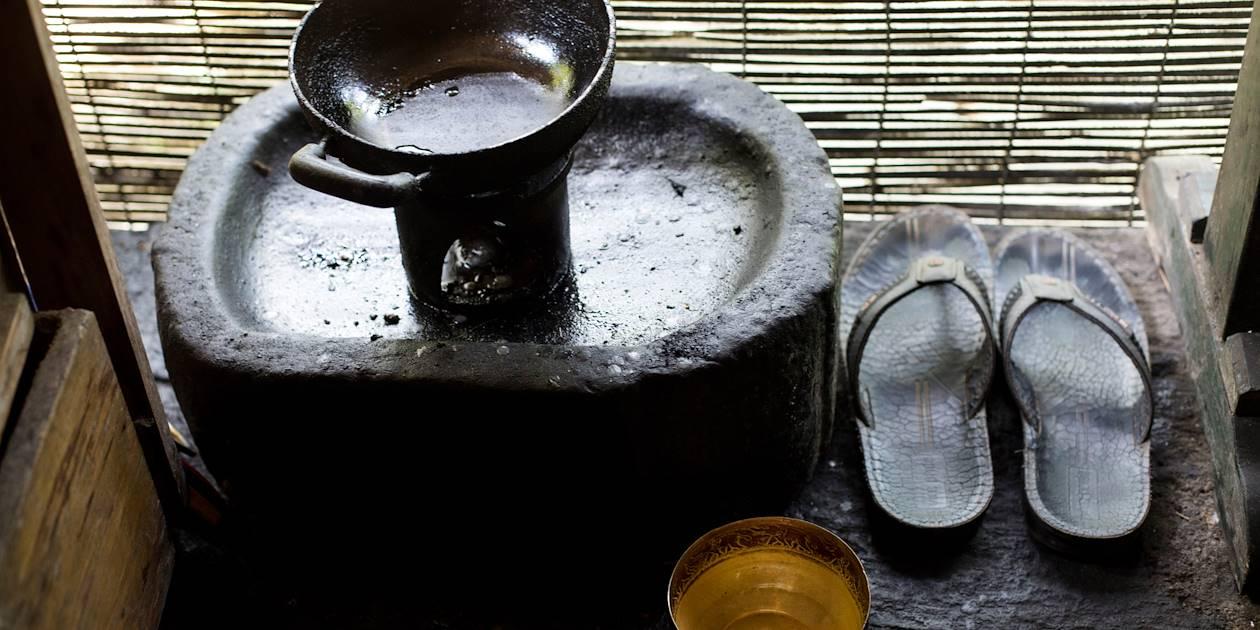 Préparation de l'huile pour le soin Shirodhara  - Kandy - Centre - Sri Lanka