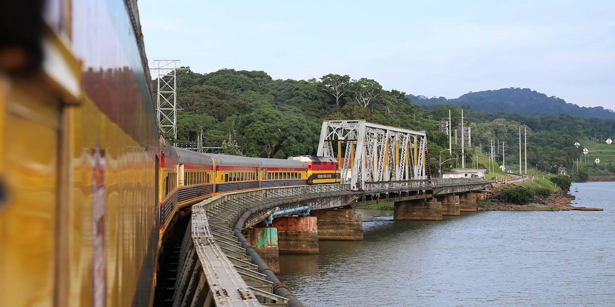 À bord du train Transisthmique - Panama