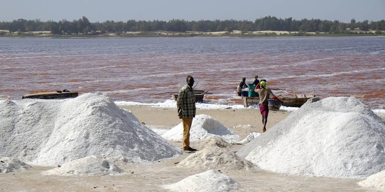 Saliculture sur les rives du lac rose - Région de Dakar - Sénégal