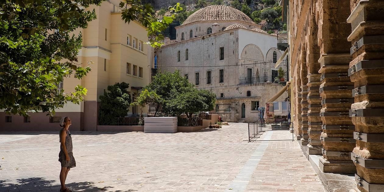 Place avec une église - Nauplie - Péloponnèse - Grèce
