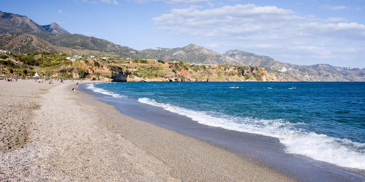 La plage de Burrina à Nerja - Andalousie - Espagne
