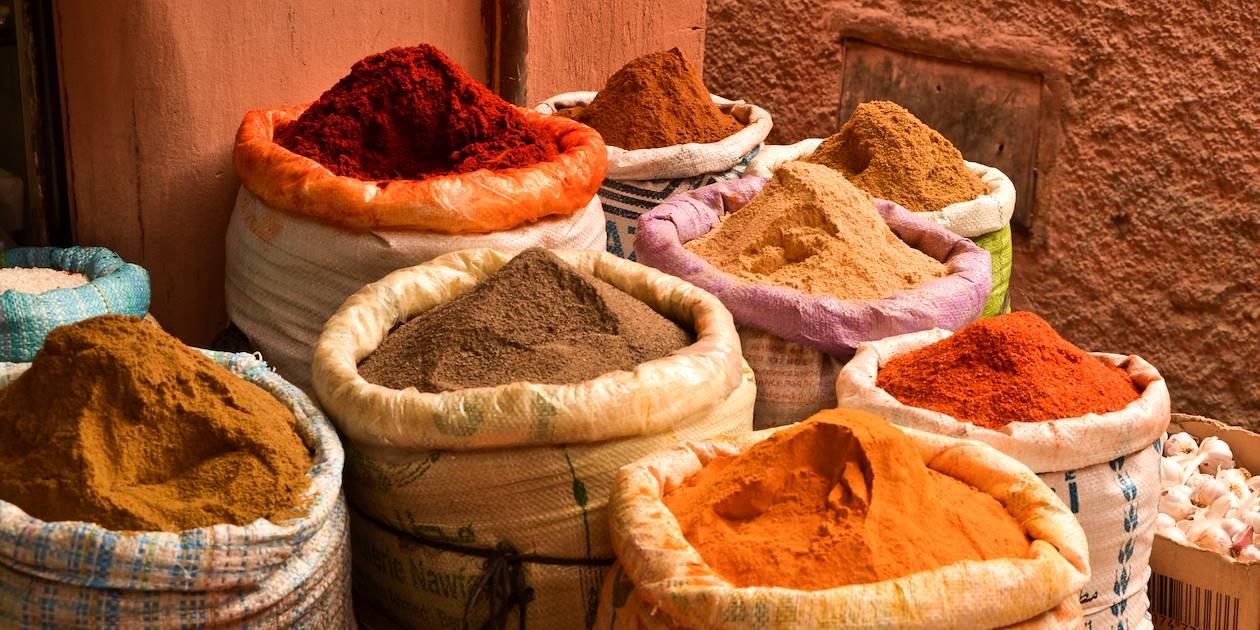 Épices dans un souk - Maroc