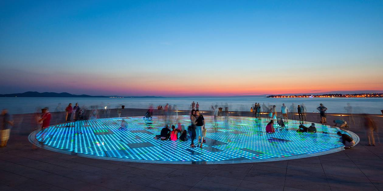 """Greeting to the Sun"", installation artistique de Nikola Basic - Zadar - Croatie"