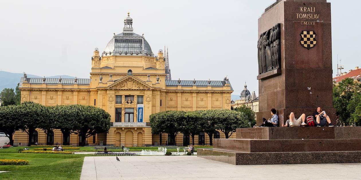 Pavillon des arts de Zagreb sur la place Tomislav Ie - Croatie