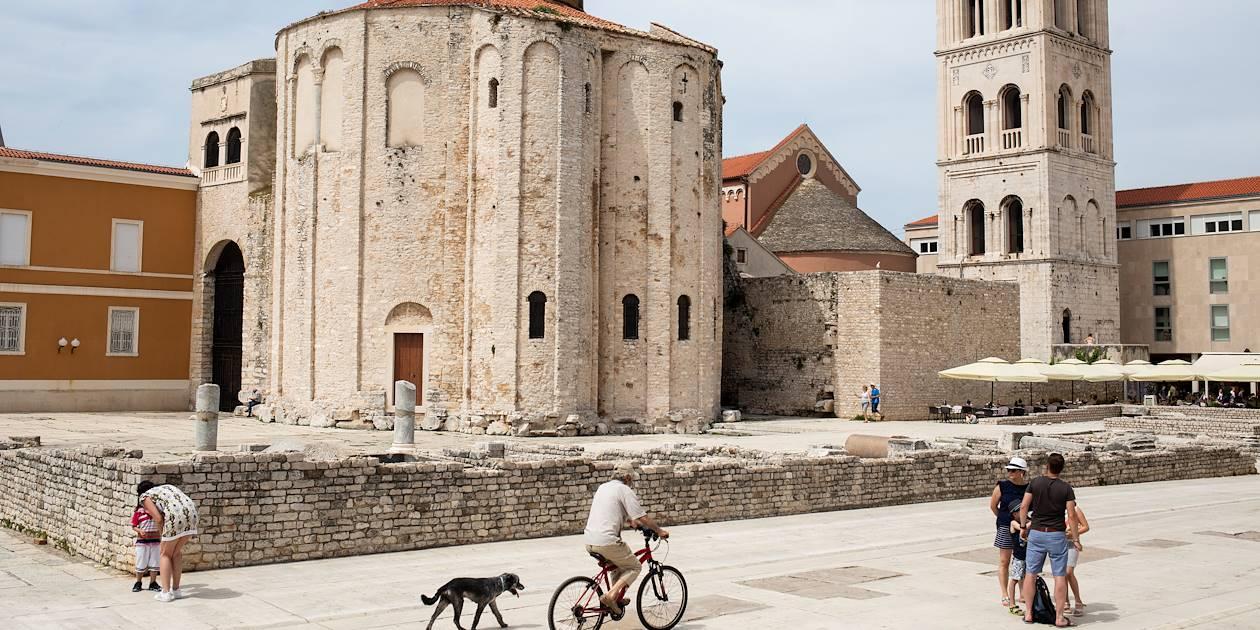 Dans la vieille ville historique de Zadar : l'église Saint-Donat - Croatie