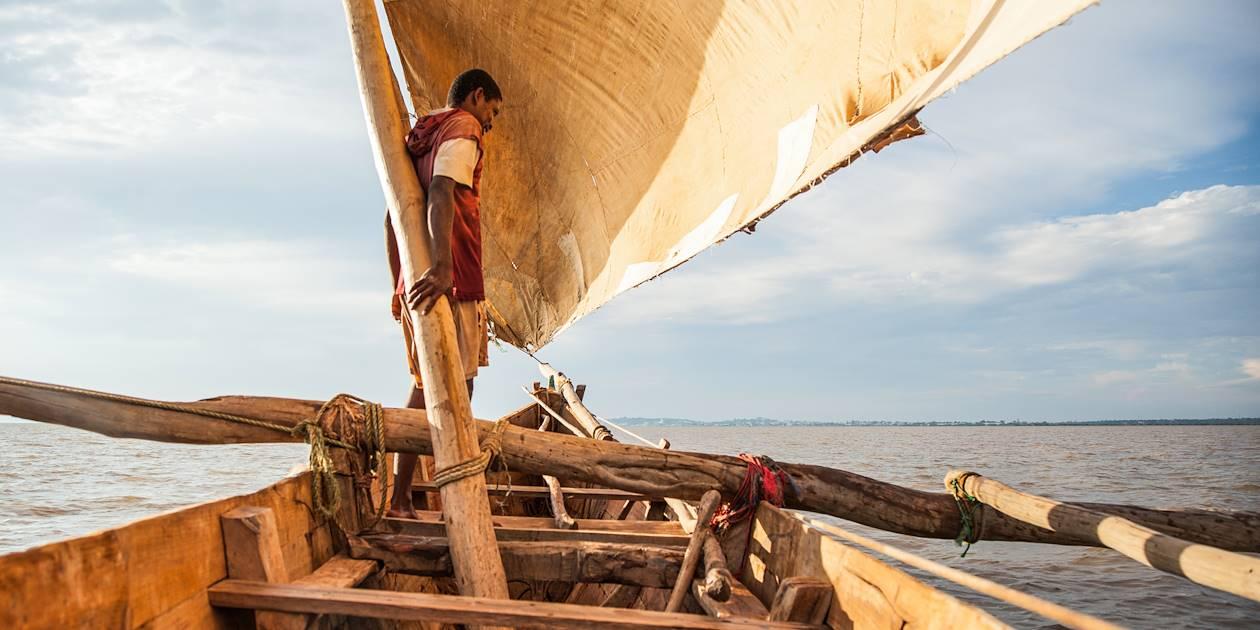 Pêcheur au large de Belo-sur-Mer - Madagascar
