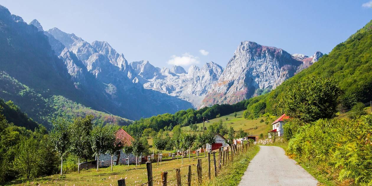 Village dans le Parc National des Prokletije - Monténégro
