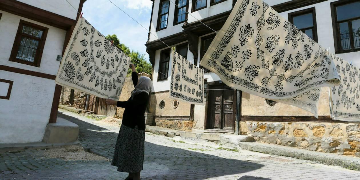 Scène de vie dans une rue de Kastamonu - Turquie