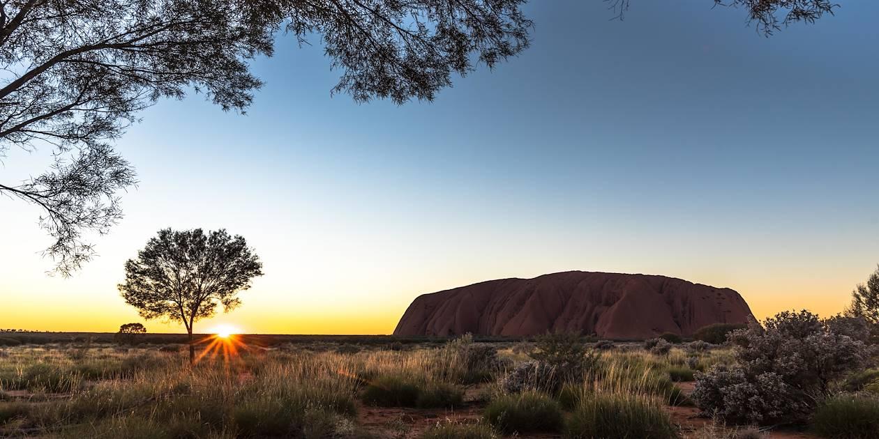 Lever de soleil sur Uluru - Alice Springs - Australie